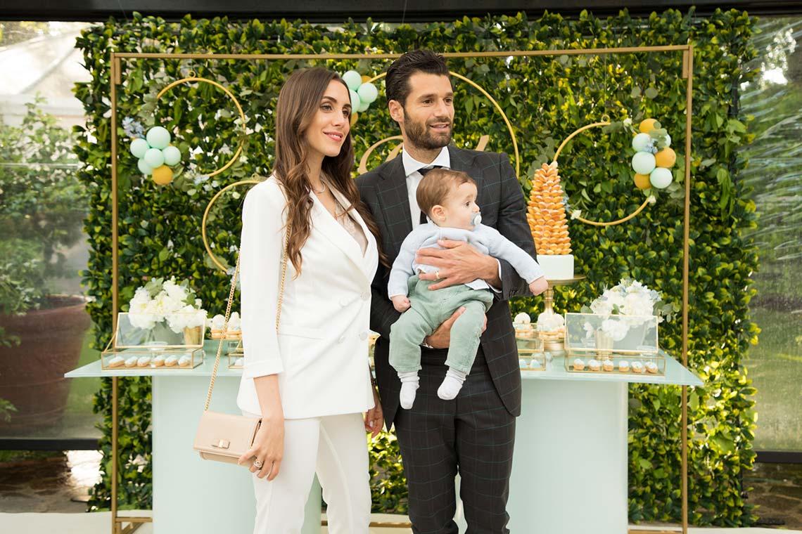 Il battesimo di Raul dalle tonalità dell'oro e del verde menta per il piccolo di casa Candreva!